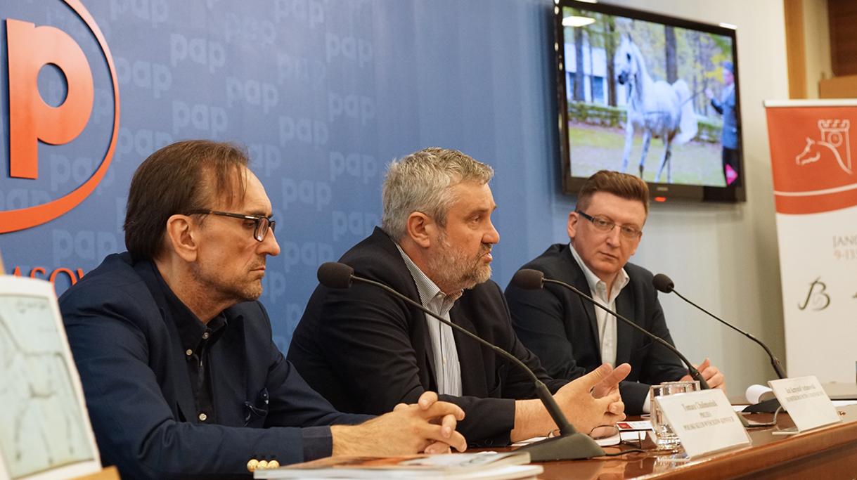 Minister Ardanowski odpowiada na pytania dziennikarzy