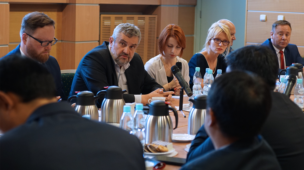 Minister Ardanowski rozmawia z chińską delegacją delegacją