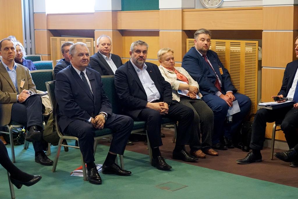 Minister J.K. Ardanowski oraz wiceminister R. Zarudzki podczas konferencji