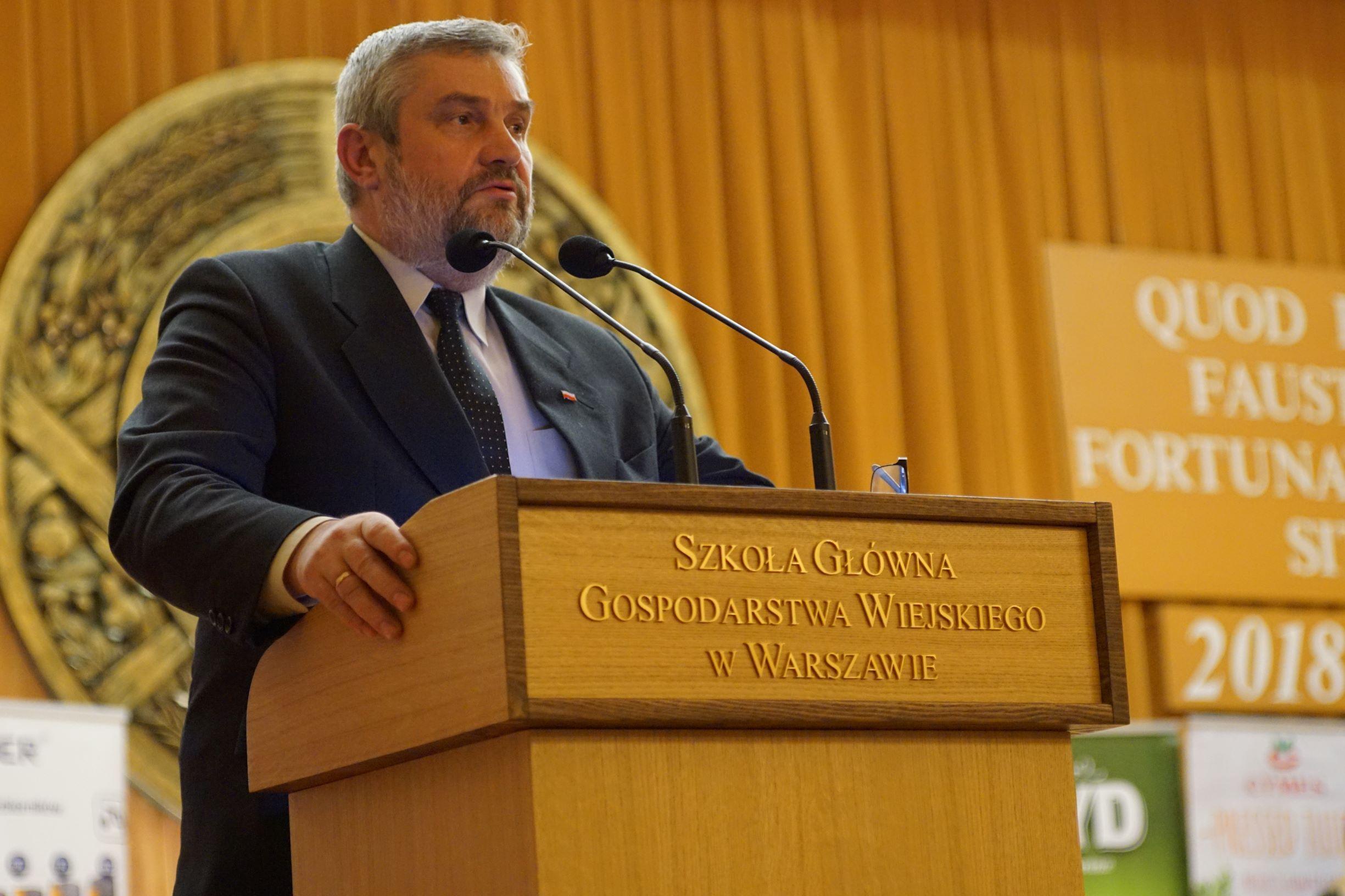 Minister rolnictwa Jan Krzysztof Ardanowski przemawia podczas Gali