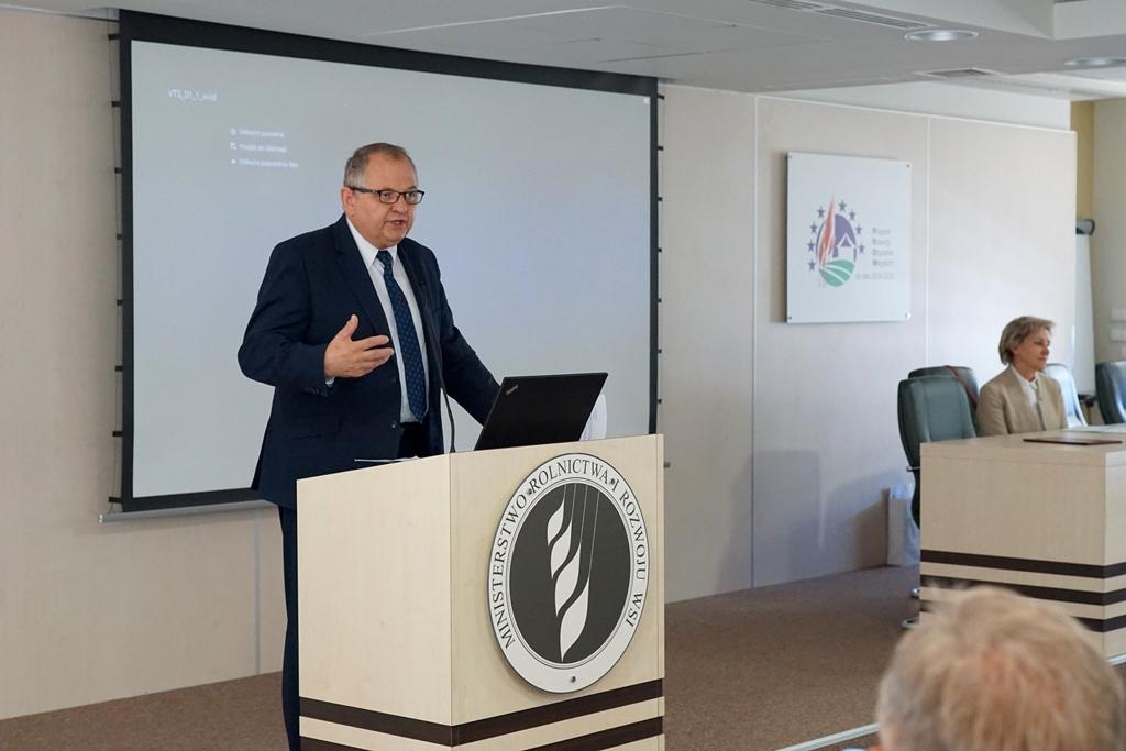 Podsekretarz stanu R. Zarudzki podczas konferencji