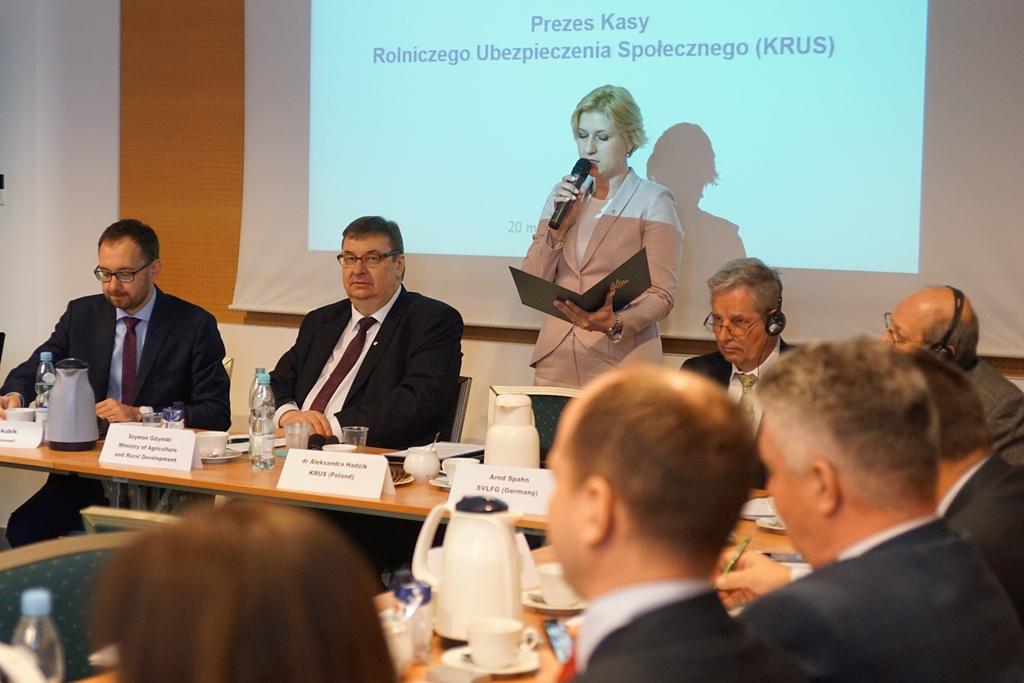 Prezes KRUS Aleksandra Hadzik podczas wystąpienia