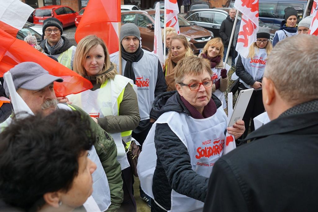 Wiceminister R. Zarudzki rozmawia z pracownikami ODR