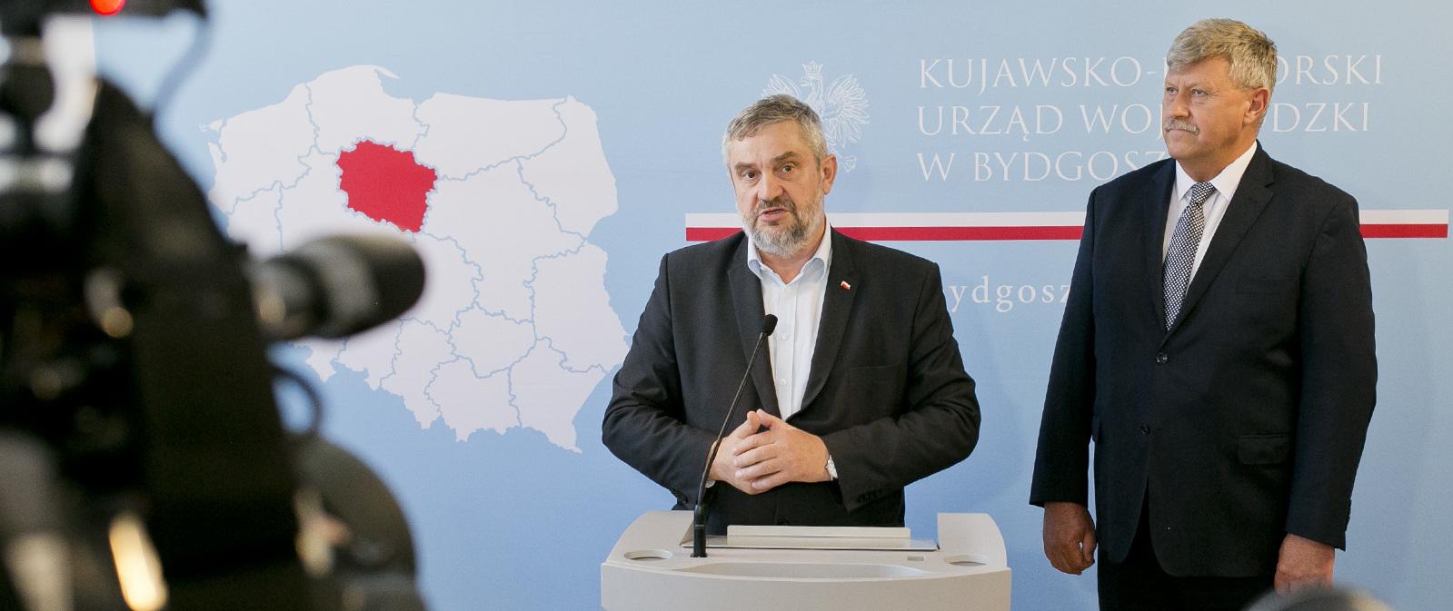 Minister J. K.  Ardanowski oraz wicewojewoda J. Ramlau