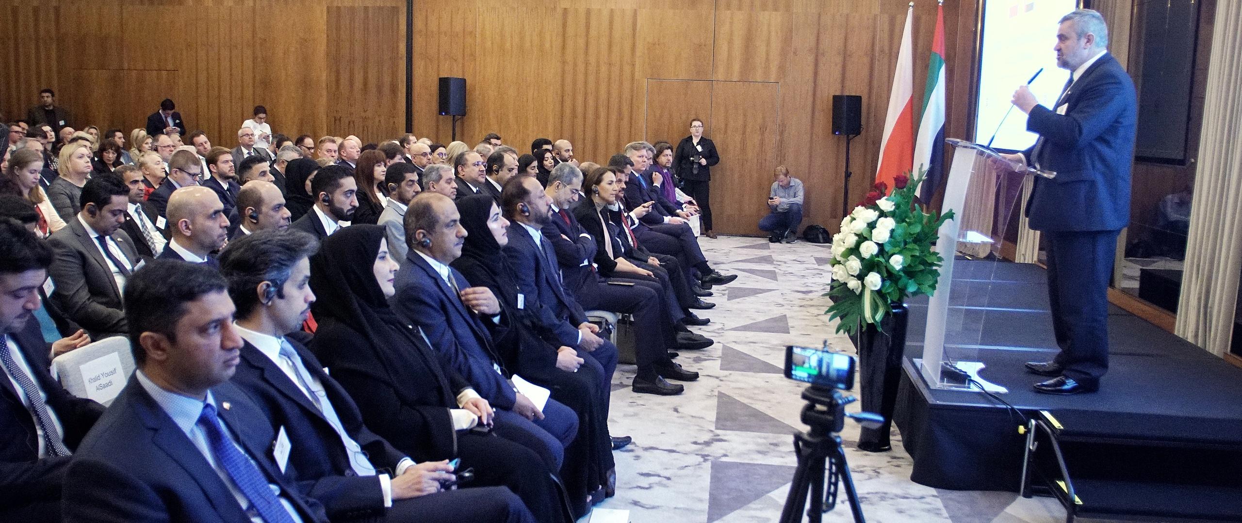 Minister J.K. Ardanowski podczas wystapienia na Polsko-Emirackim Forum Biznesu