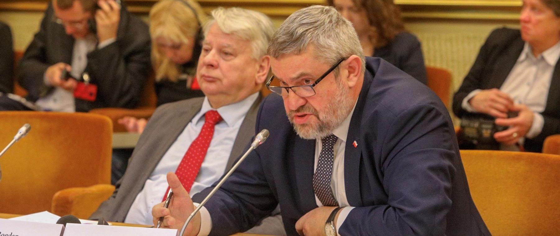 Minister Jan Krzysztof Ardanowski podczas posiedzenia Komisji ds. Rozwoju Handlu i Gospodarki