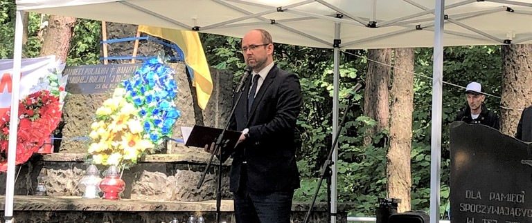 Deputy Minister Marcin Przydacz takes part in ceremonies to mark the 76th anniversary of the Volhynia Massacre