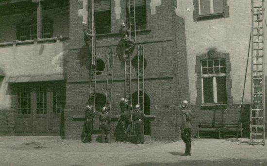 Ćwiczenia w jednostce przy ul. Masztalarskiej