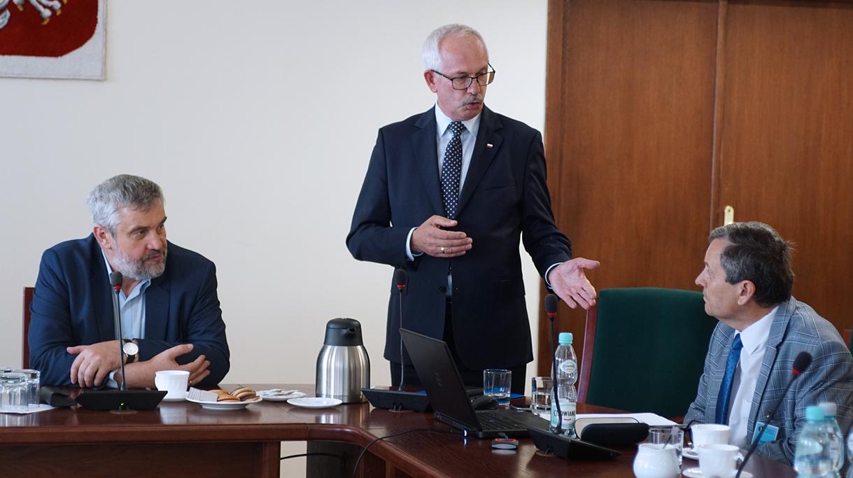 Minister Ardanowski z przedstawicielami spółdzielni rolniczych