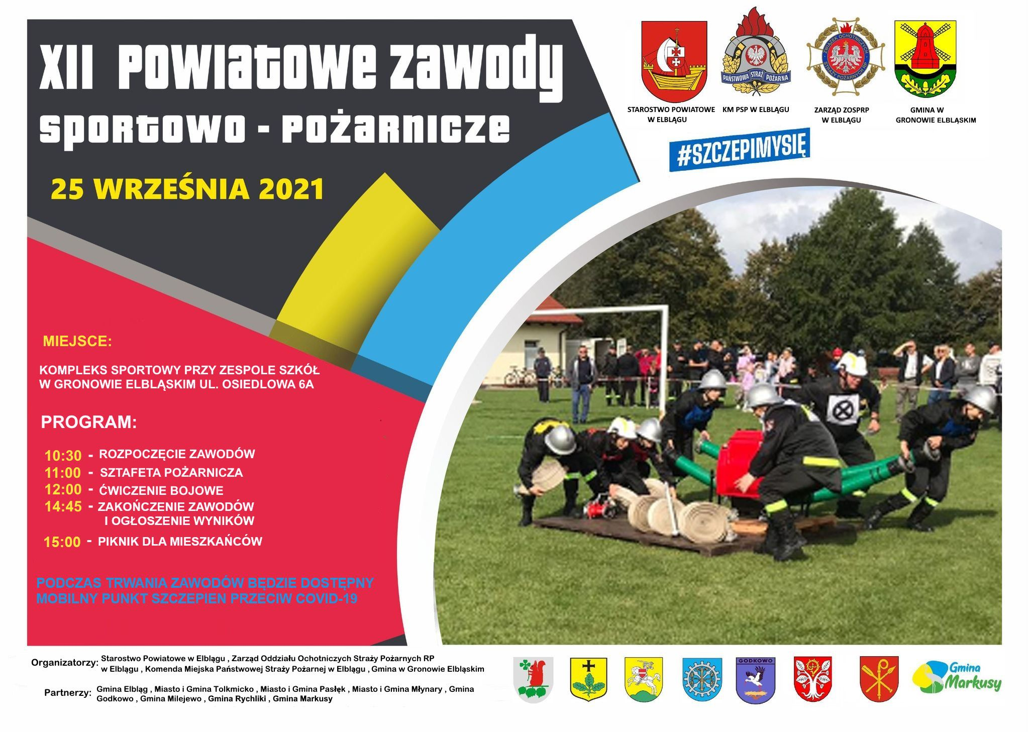 Plakat informujący o zawodach sportowo - pożarniczych mających odbyć się 25 września 2021 roku o godzinie 10:30, na terenie kompleksu sportowego przy zespole szkół w Gronowie Elbląskim. W lewej części plakatu tekst, po prawej zdjęcie przedstawiające siedmiu strażaków zgromadzonych dookoła motopompy.