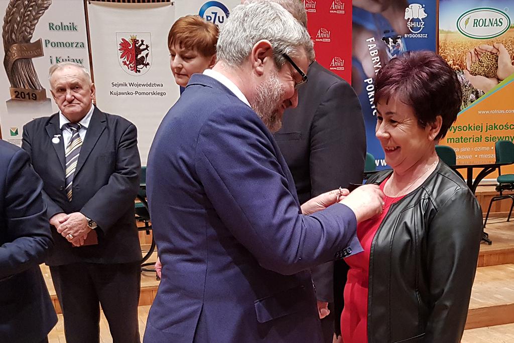 Minister J. K. Ardanowski podczas wręczania odznaczeń