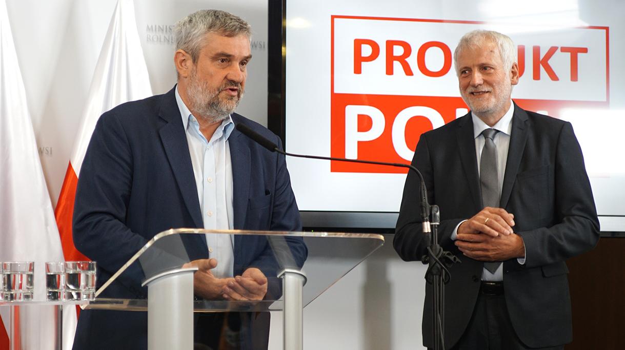 Minister Ardanowski podczas wystąpienia oraz Prezes Zarządu KSC Krzysztof Kowa