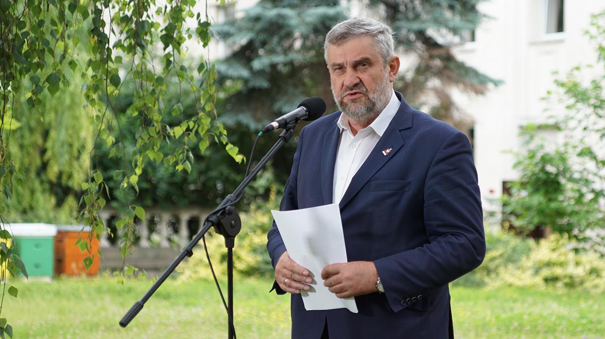 Minister J. K. Ardanowski podczas konferencji prasowej