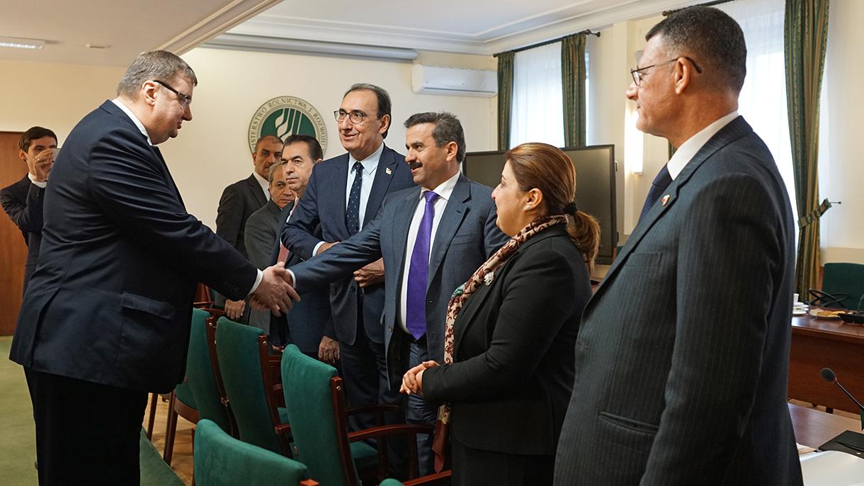 Sekretarz stanu Sz. Giżyński wita delegację Ministerstwa Rolnictwa i Zasobów Wodnych Rządu Regionalnego Kurdystanu Republiki Iraku
