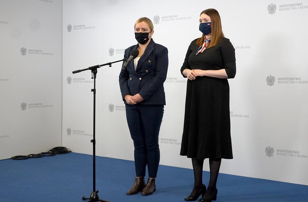Podsekretarz stanu Olga Ewa Semeniuk podczas wypowiedzi