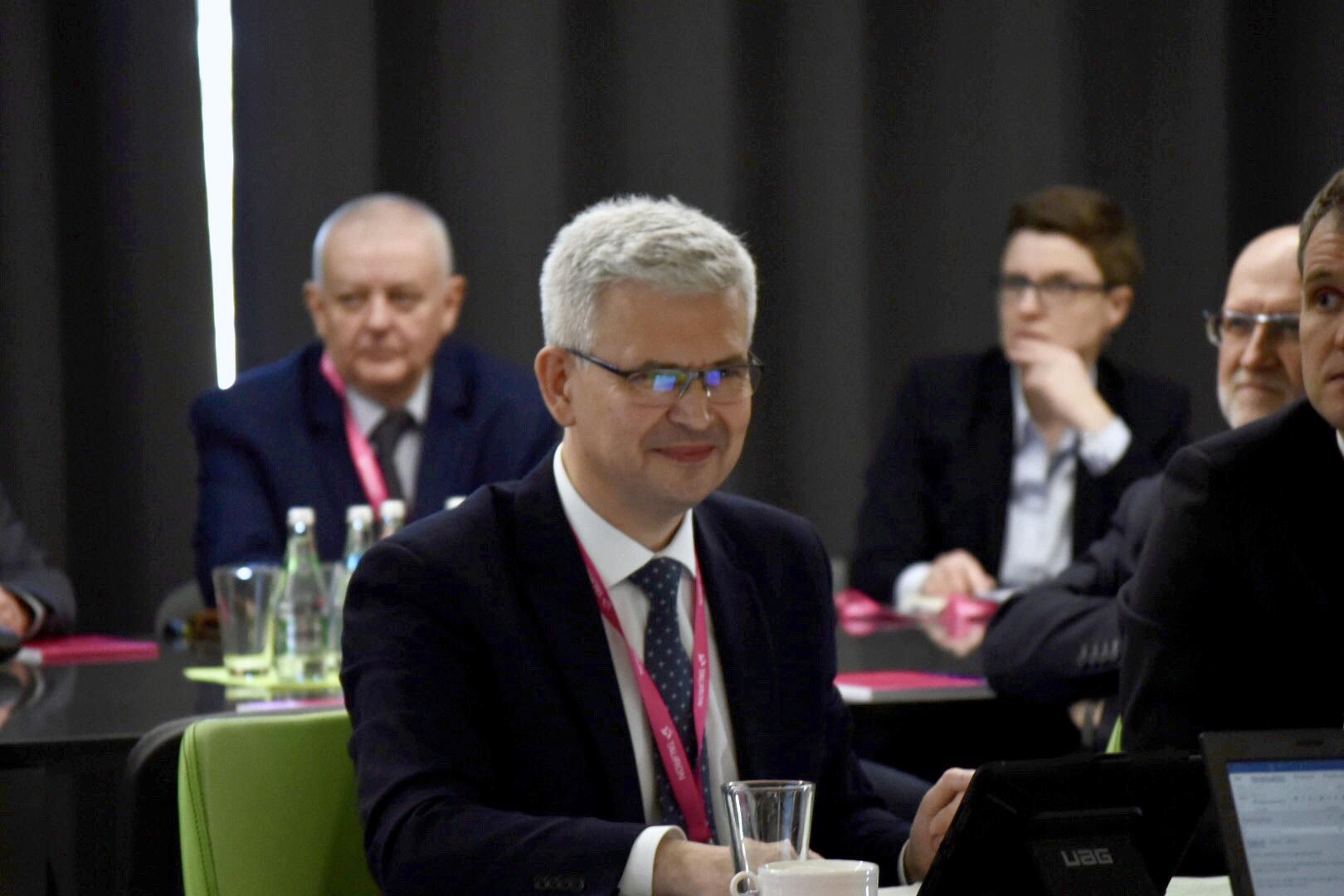 Wiceminister klimatu Ireneusz Zyska na konferencji dot. klastrów energetycznych