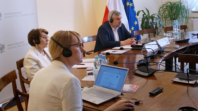 Uczestnicy konferencji online