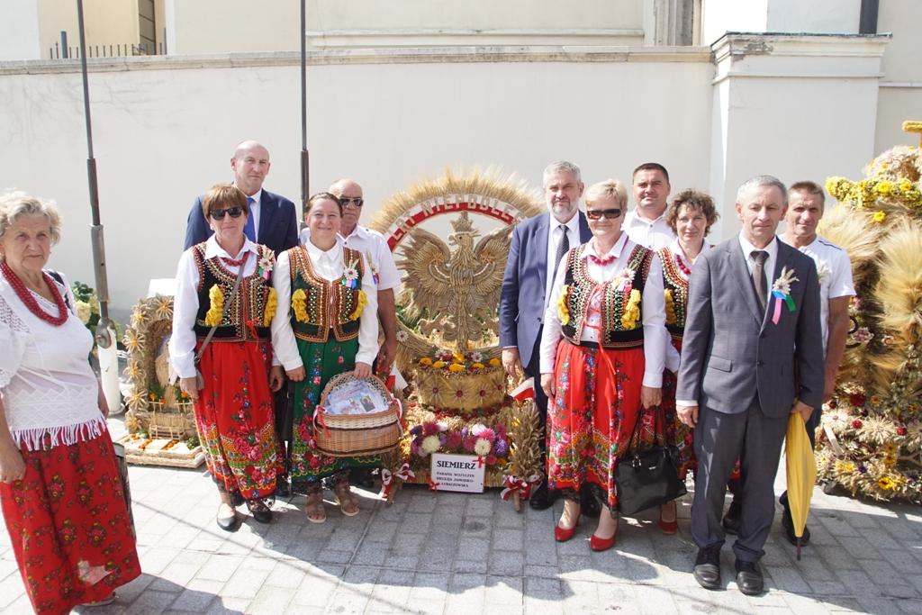Min. J.K. Ardanowski z delegacją z Siemierza