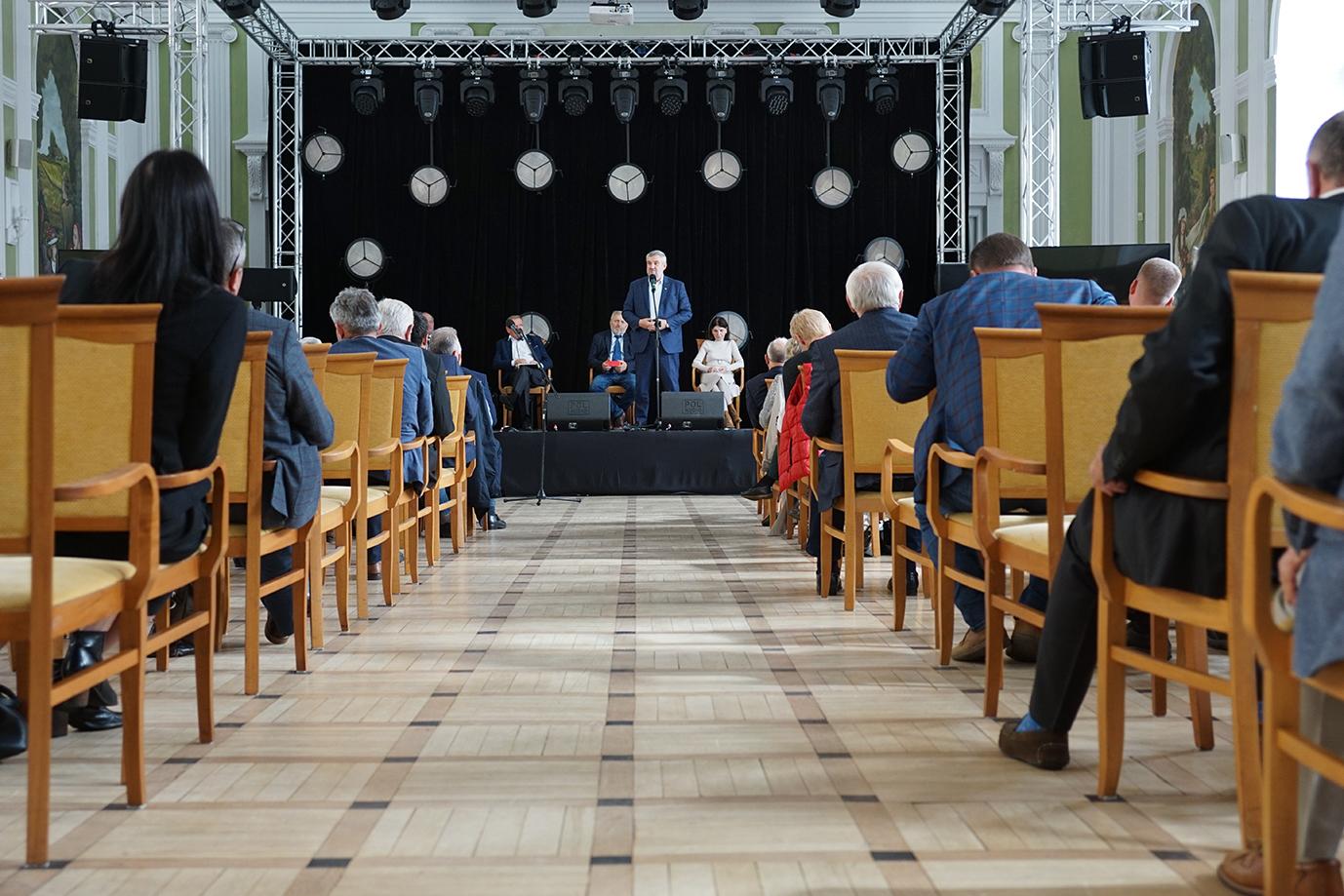 Min. J.K. Ardanowski przemawiający podczas spotkania