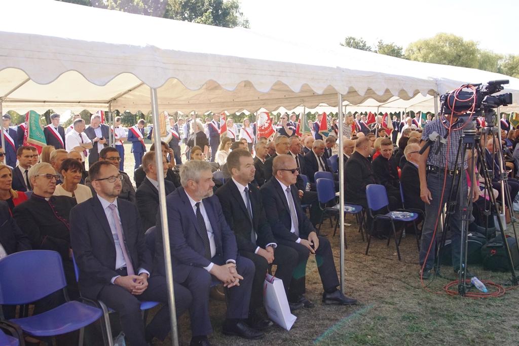 Min. J. K. Ardanowski podczas inauguracji roku szkolnego