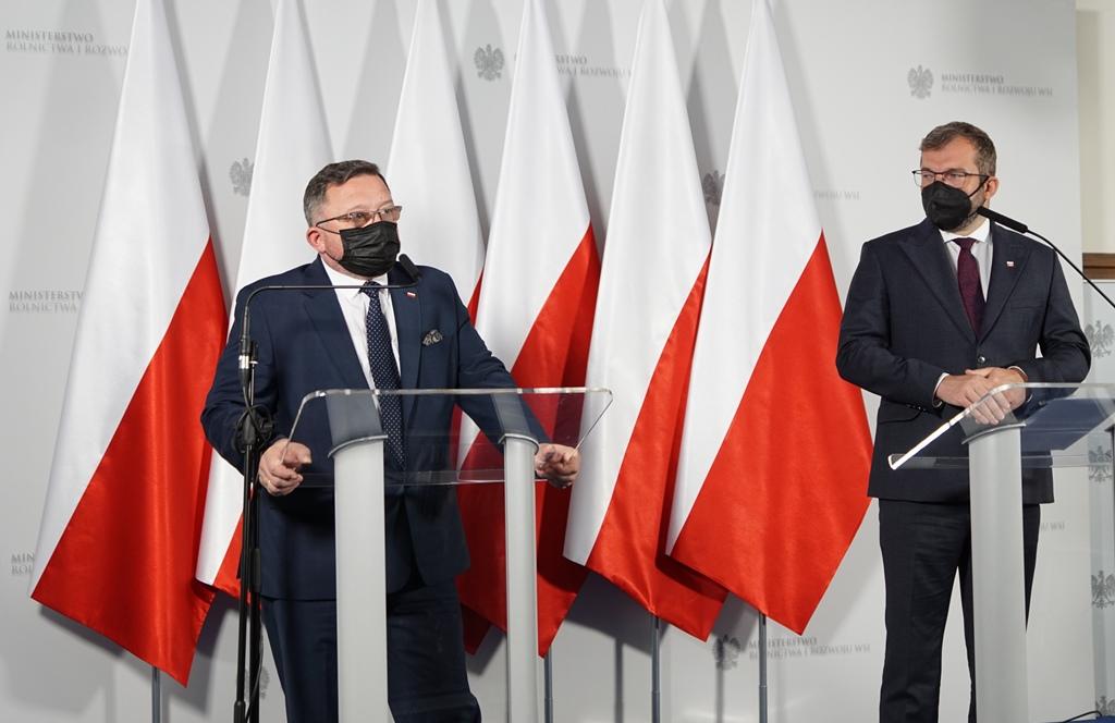 Główny lekarz weterynarii Mirosław Welz i minister Grzegorz Puda. Fot. MRiRW
