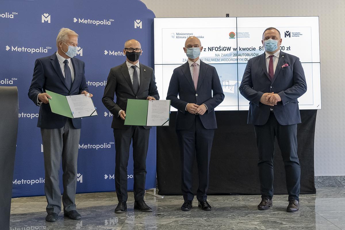 Podpisanie umowy na ponad 80 mln zł dotacji dla Śląska na zakup autobusów napędzanych wodorem
