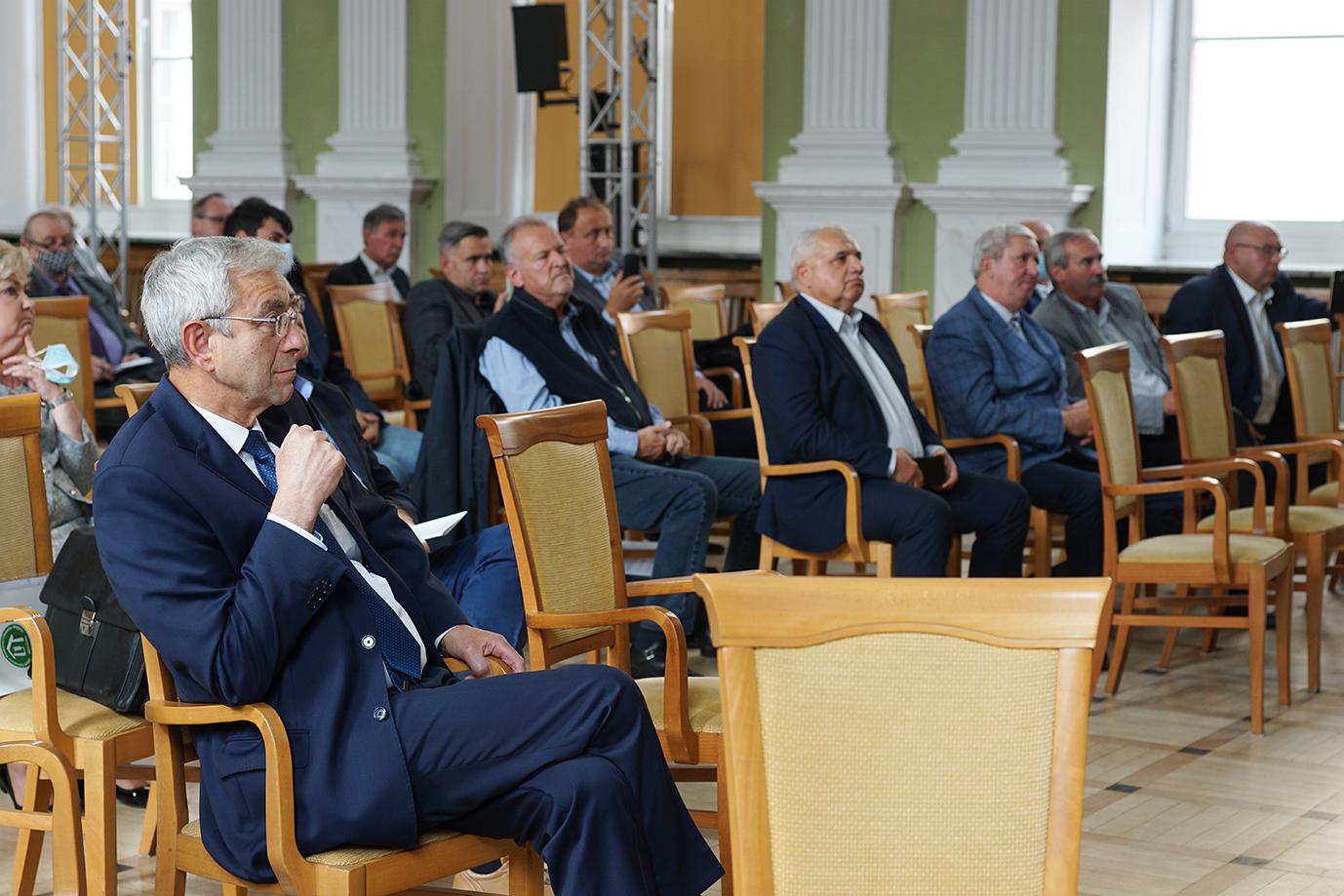 Uczestnicy biorący udział w spotkaniu Porozumienia Rolniczego