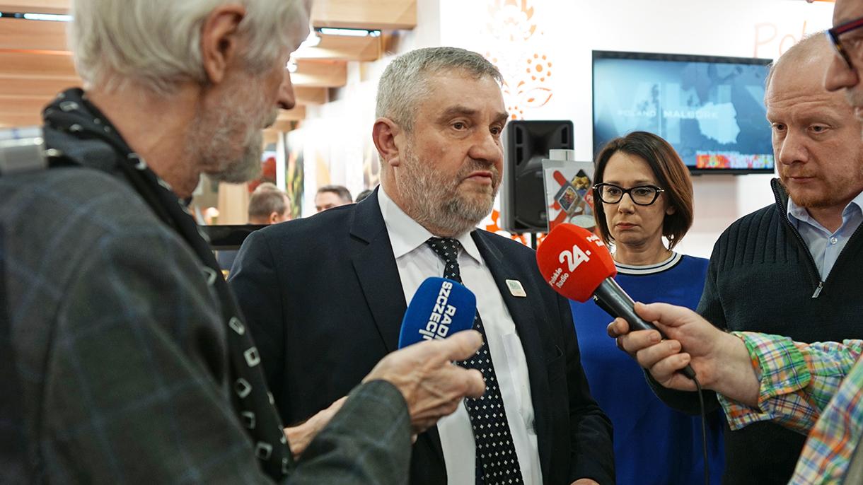 Min. J. K. Ardanowski podczas udzielania wywiadu