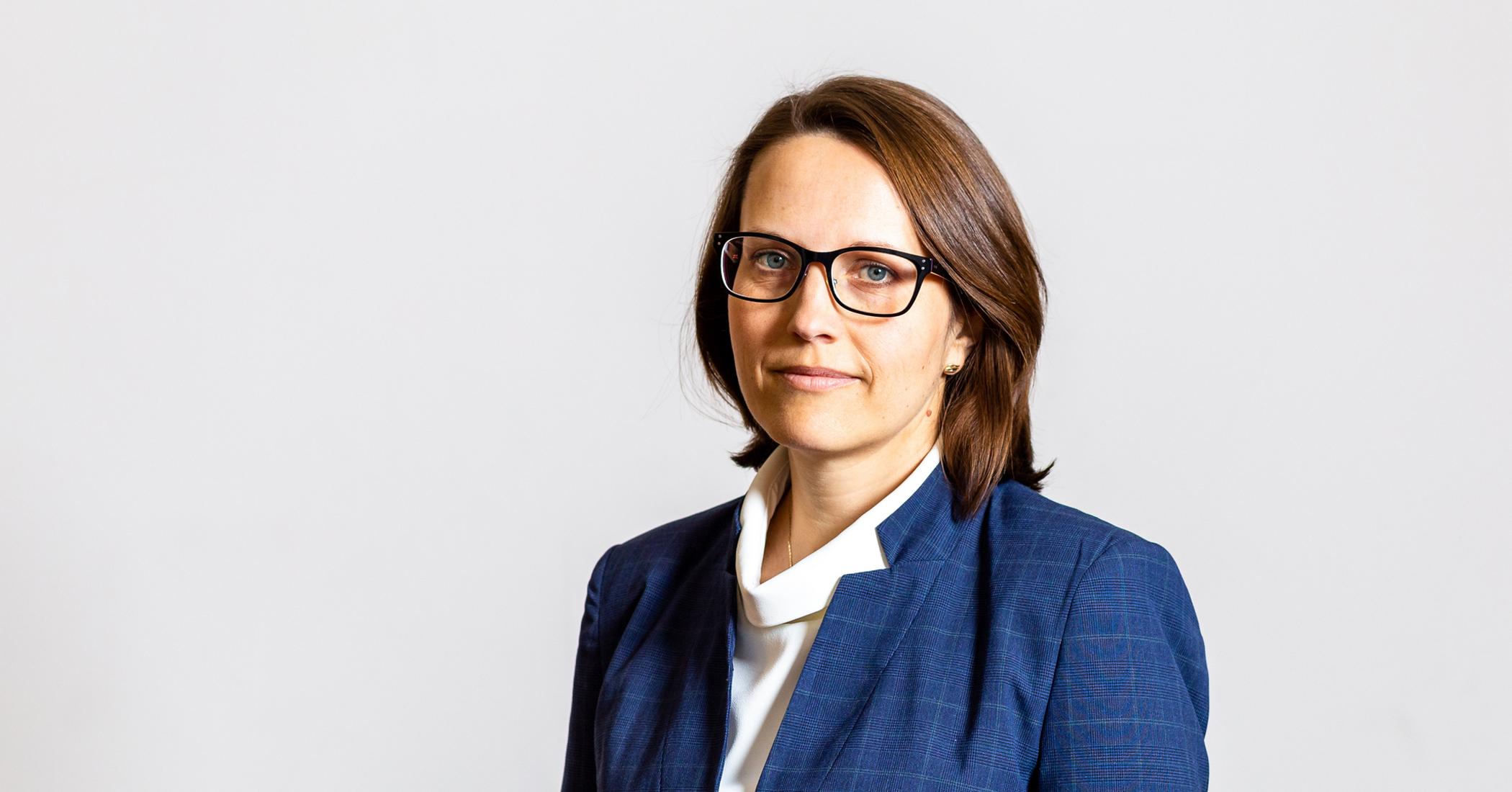 Zdjęcie portretowe Magdaleny Rzeczkowskiej Szefa Krajowej Administracji Skarbowej