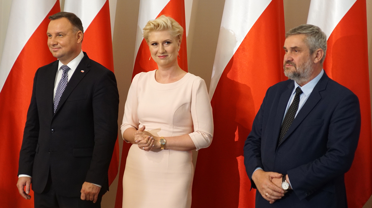 Od lewej prezydent RP, prezes KRUS i minister rolnictwa