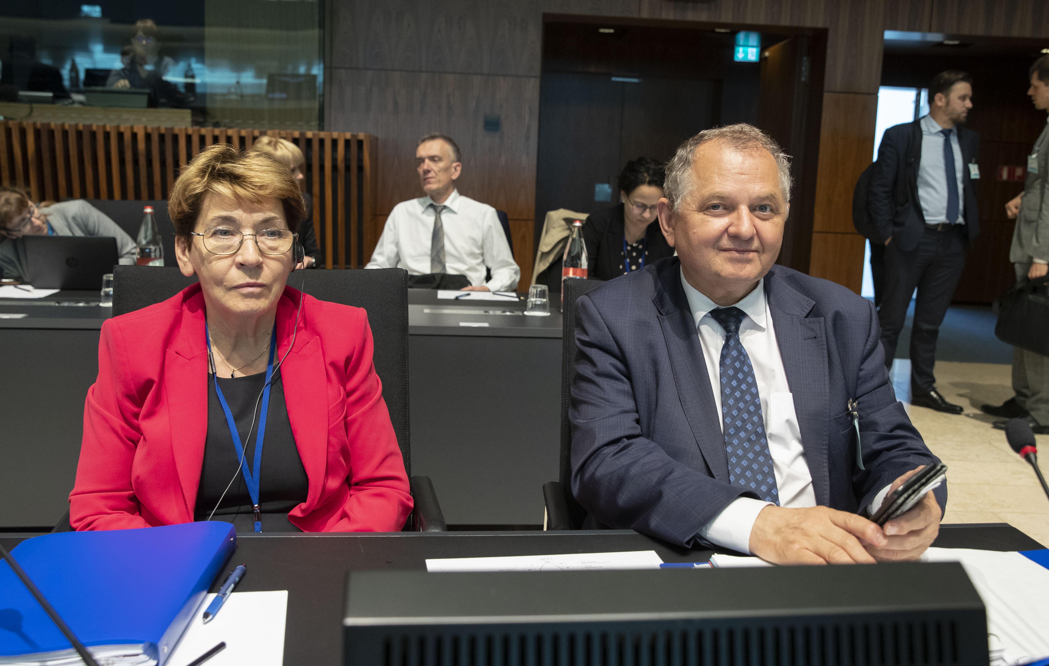 Od lewej radca generalny Zofia Krzyżanowska oraz wiceminister Ryszard Zarudzki Fot. European Union