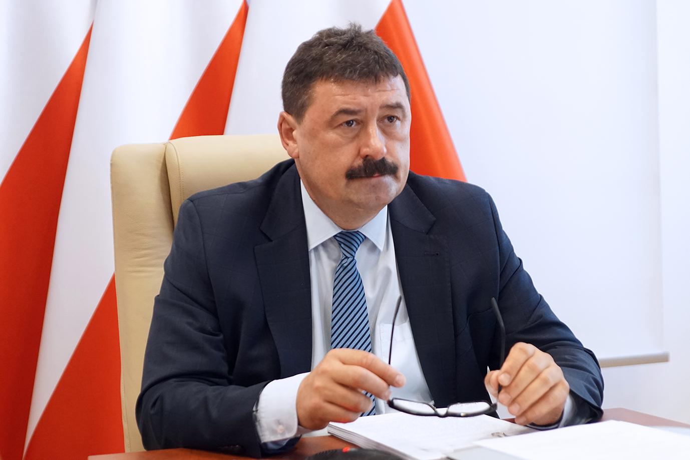 Sekretarz stanu Ryszard Bartosik podczas posiedzenia Rady Ministrów (fot. MRiRW)