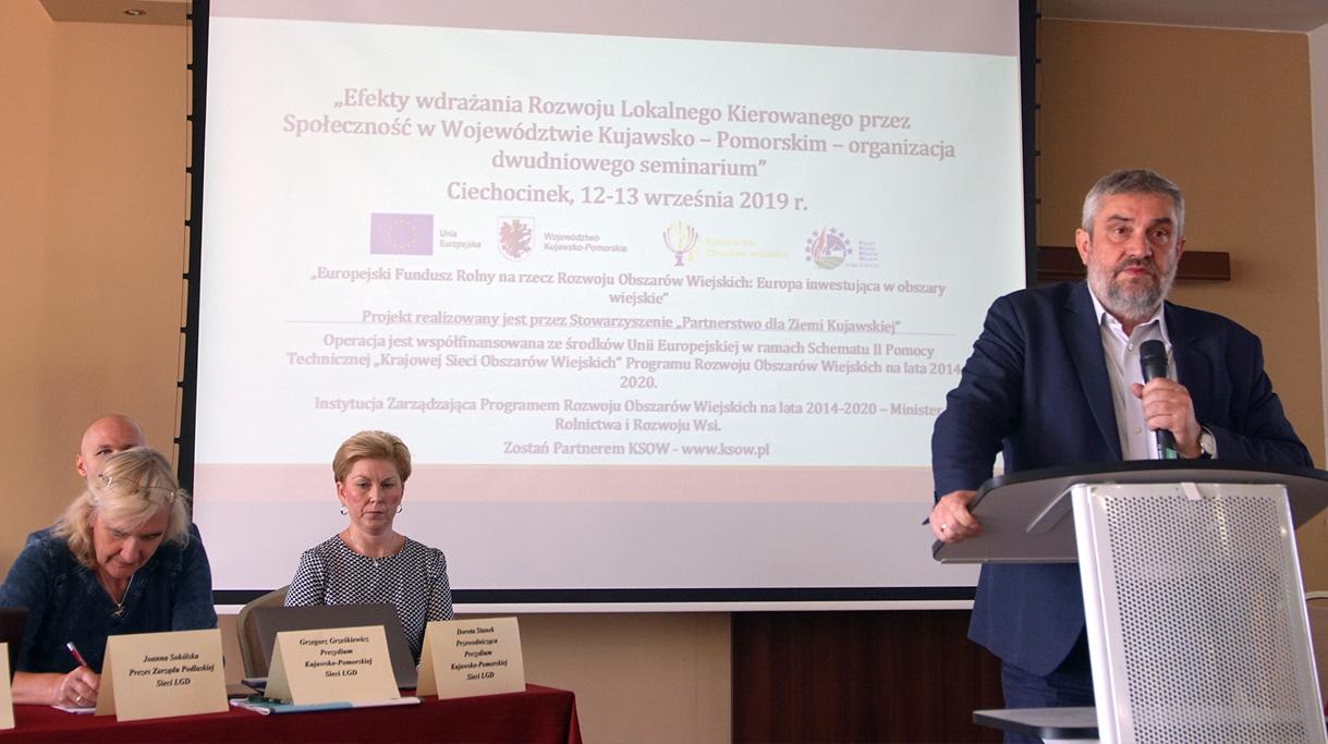 Minister Ardanowski podczas wystąpienia na seminarium