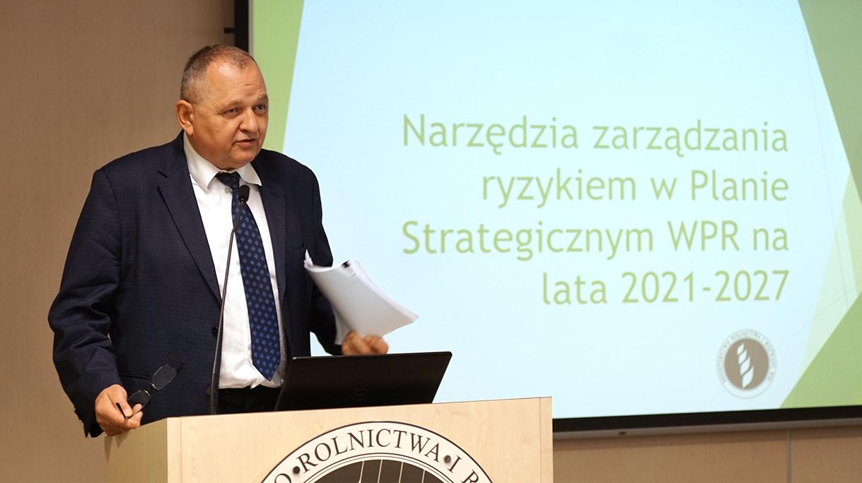 Podsekretarz stanu w MRiRW Ryszard Zarudzki podczas wystąpienia