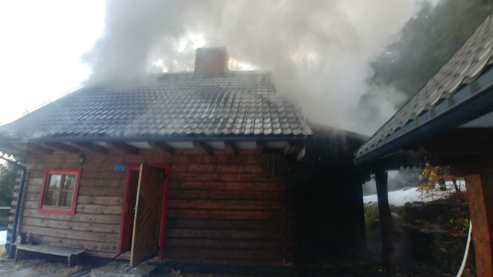 Bystrzyca Kłodzka: Pożar domu w miejscowości Poniatów