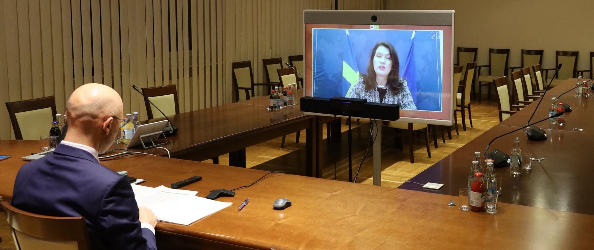 Minister Kurtyka o walce ze zmianami klimatu po pandemii COVID-19