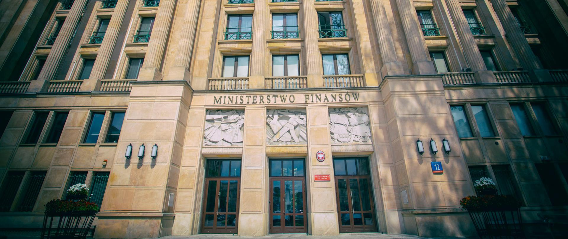 Ściana frontowa wejścia głównego do Ministerstwa Finansów