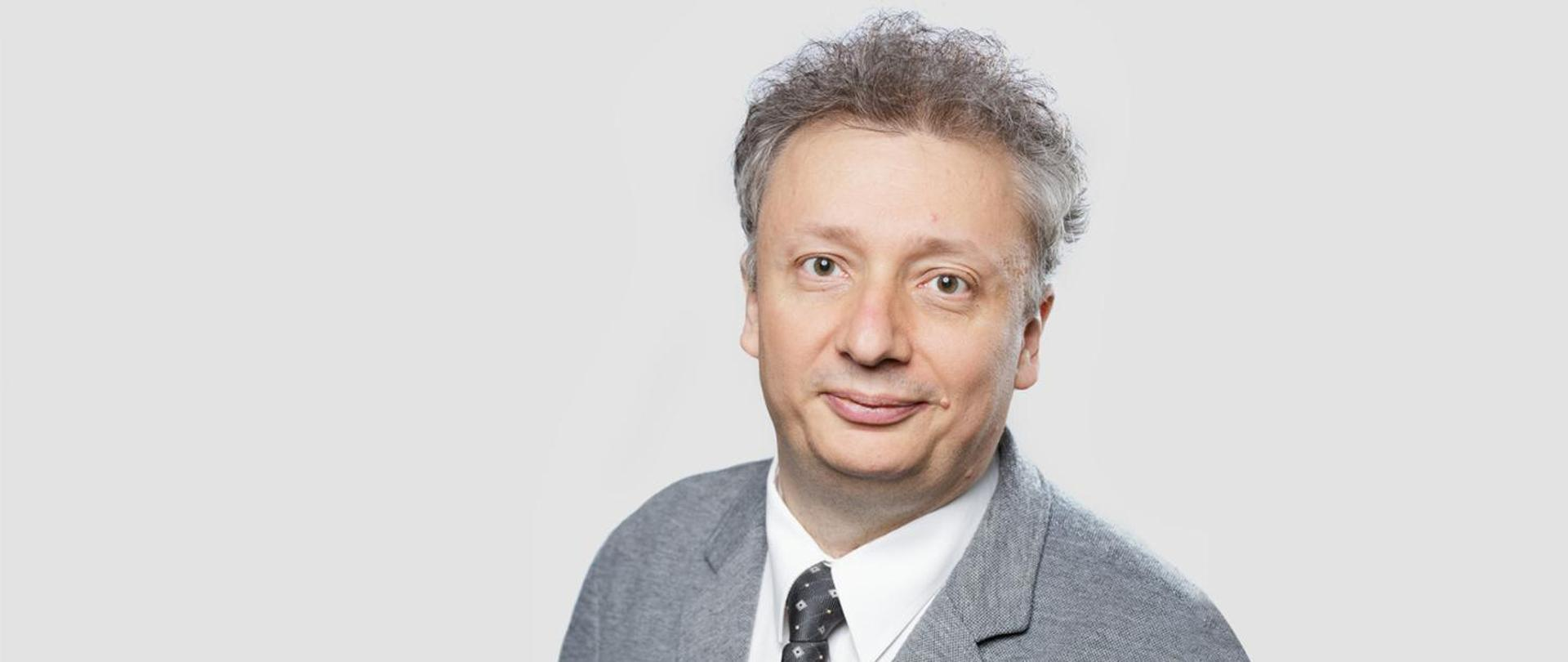 Podsekretarza stanu Sebastian Skuza - zdjęcie portretowe