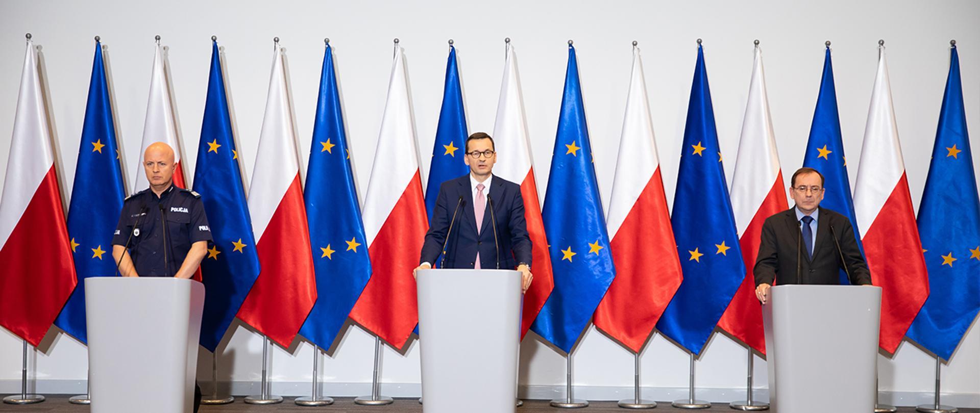 Na zdjęciu: premier Mateusz Morawiecki, minister Mariusz Kamiński i gen. insp. Jarosław Szymczyk – komendant główny Policji