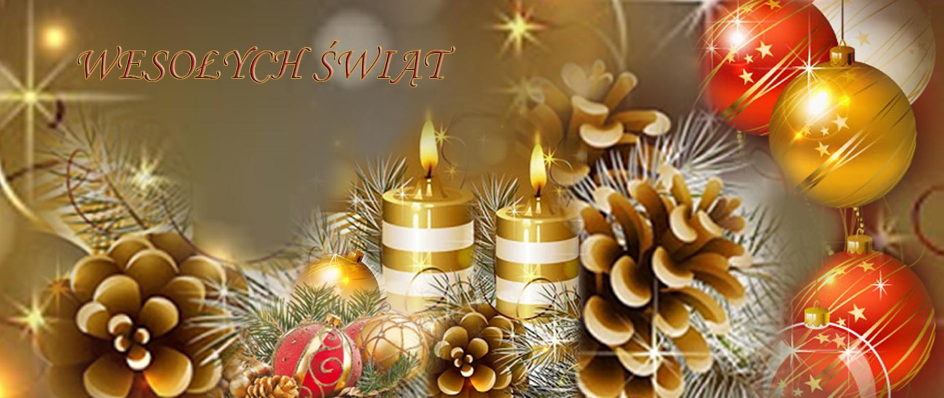 Wesołych Świąt – kompozycja świąteczna: świece, bombki, gałązki świerku, szyszki – przeważa kolor złoty.