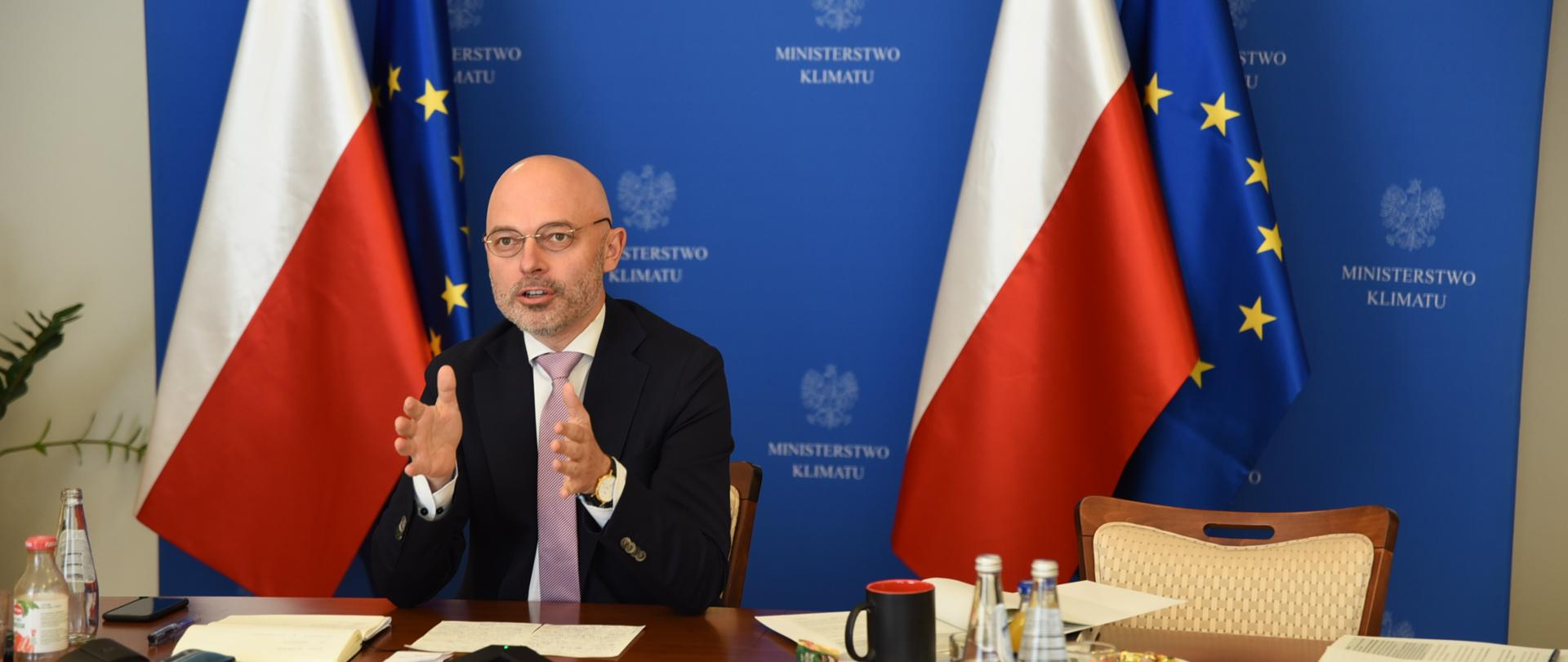 Minister Kurtyka na szczycie MAE dot. czystej energii