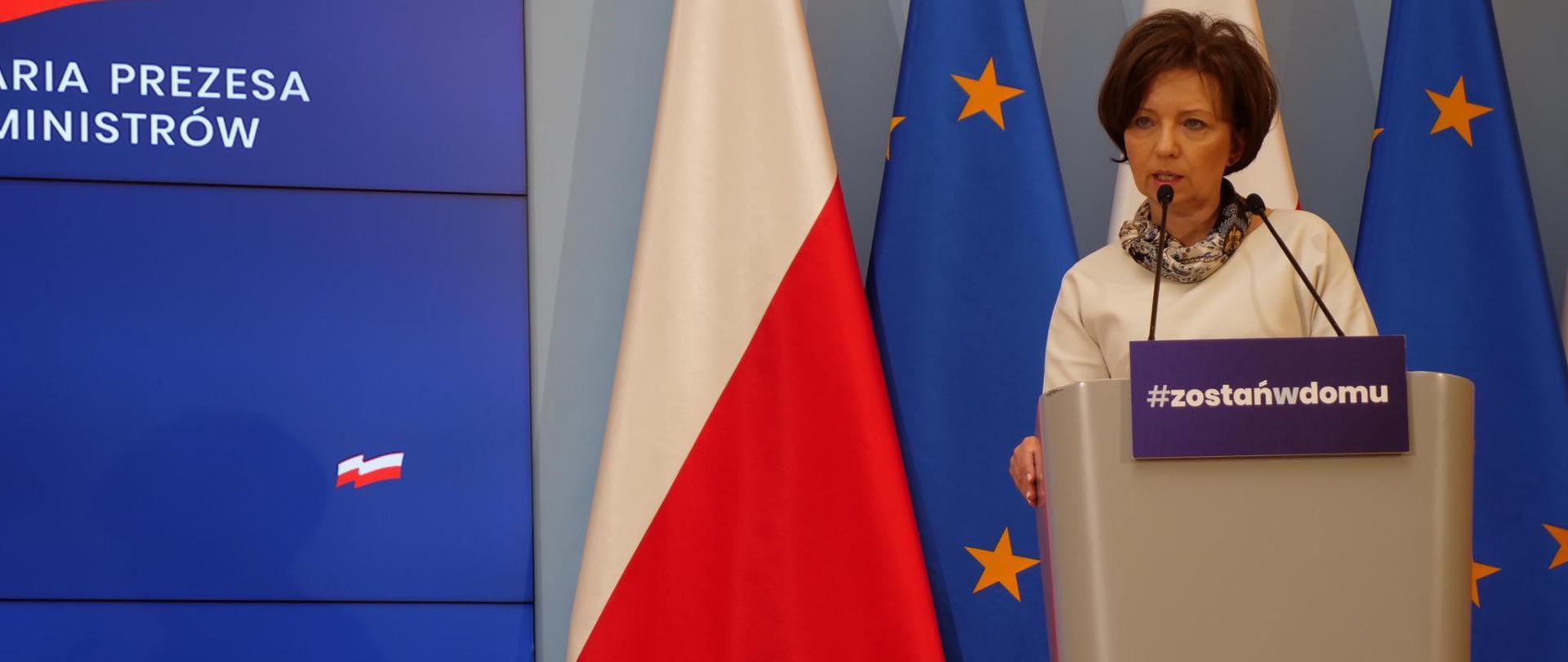 Minister Marlena Maląg na briefingu dot. wsparcia dla DPSów