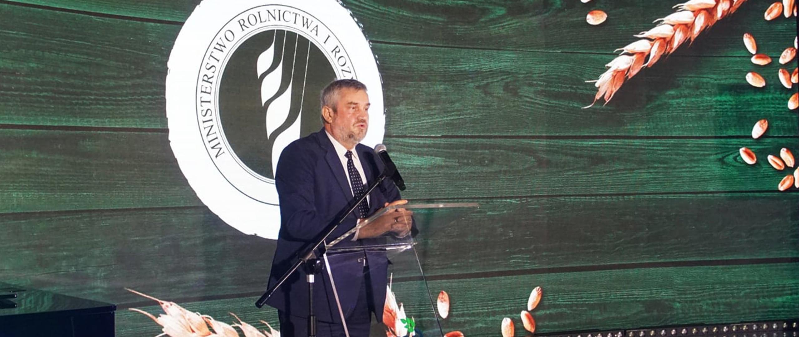 W Toruniu o rolnictwie, przetwórstwie i pomocy głodującym