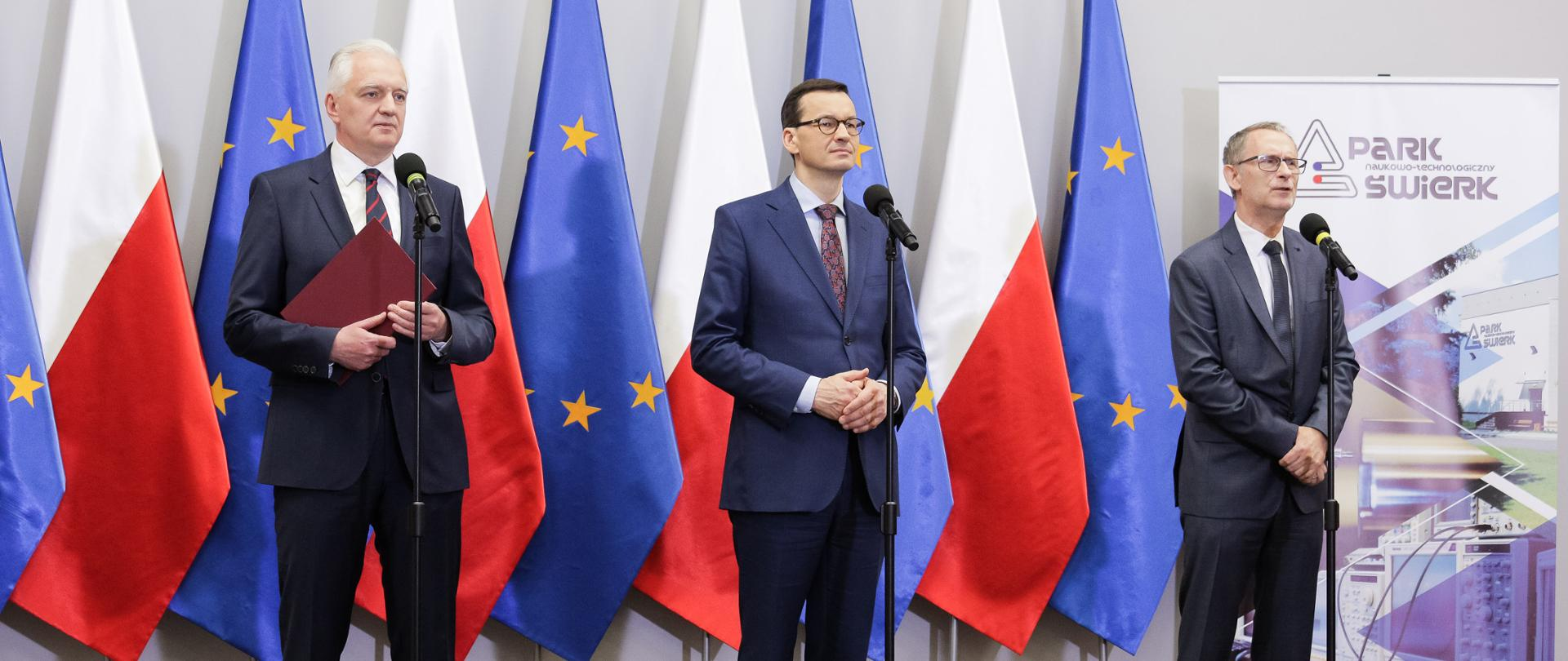 Prime Minister Mateusz Morawiecki, Minister of Science and Higher Education Jarosław Gowin and director of the National Centre for Research and Development Krzysztof Kurek during a press conference at the National Centre for Nuclear Research.