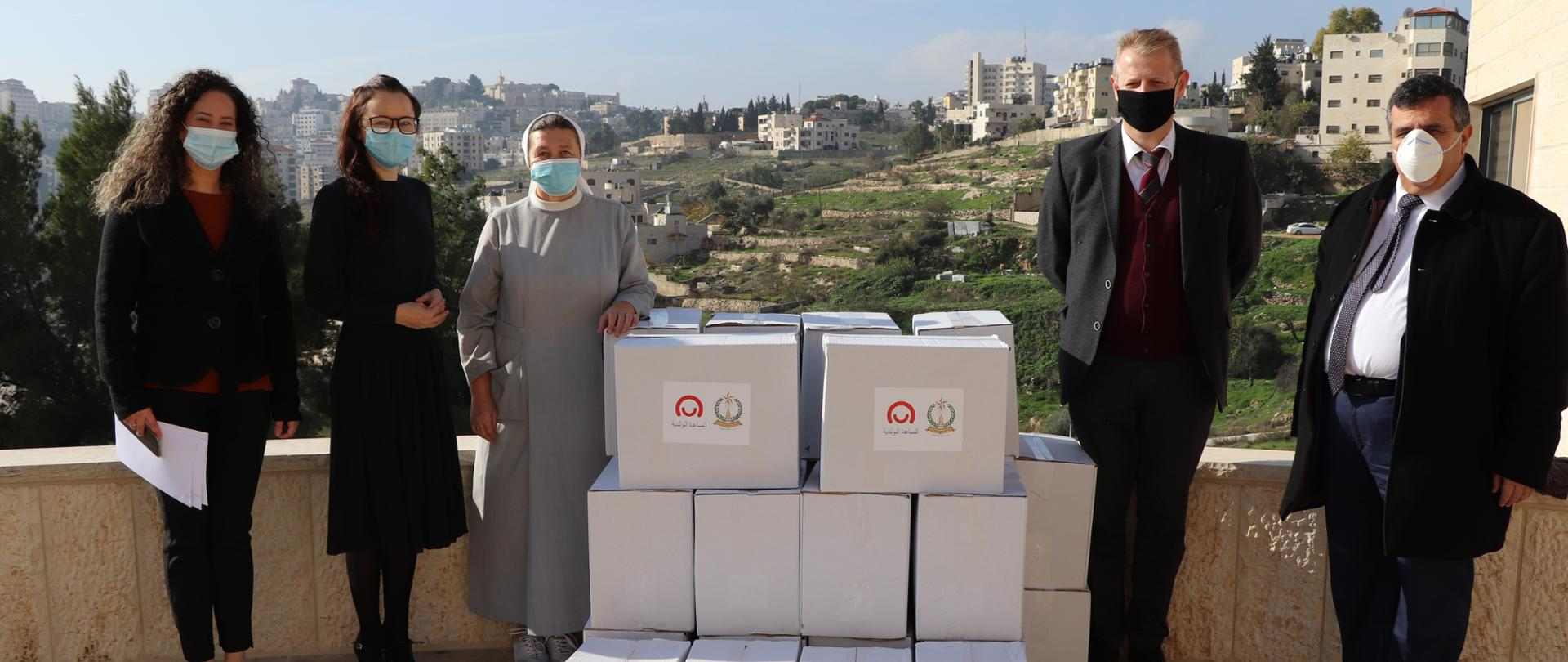 Bethlehem's city authorities receive Polish humanitarian aid