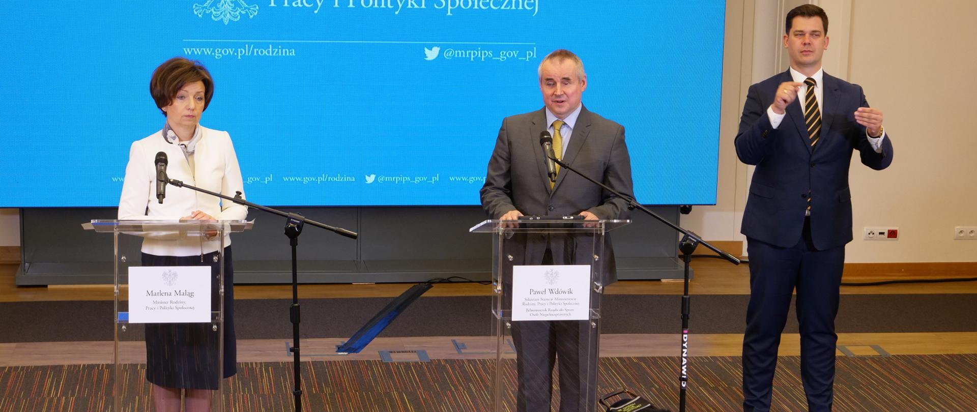 briefing z udziałem minister Marleny Maląg i wiceministra Pawła Wdówika