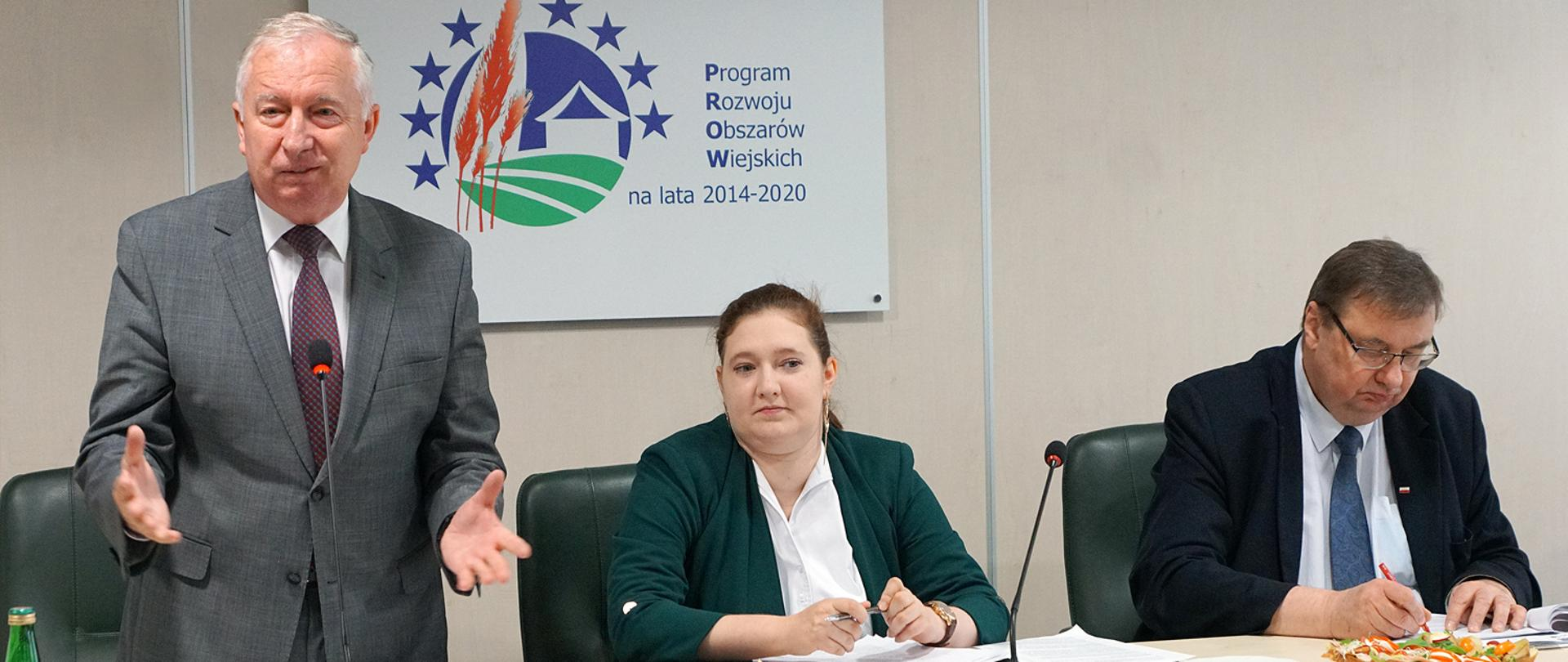 Sekretarze stanu w MRiRW Ryszard Kamiński, Anna Gembicka, Szymon Giżyński