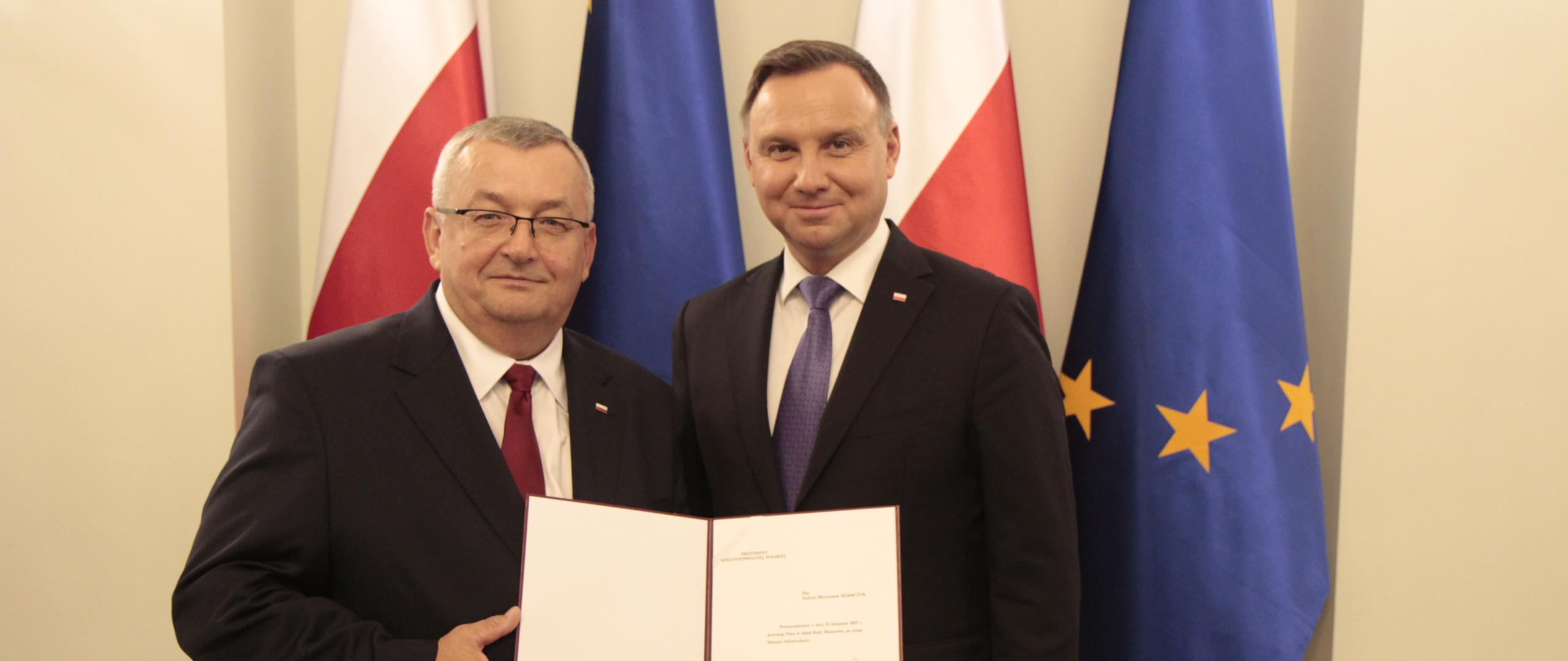 Andrzej Adamczyk odebrał z rąk Prezydenta RP Andrzeja Dudy akt powołania na urząd ministra infrastruktury