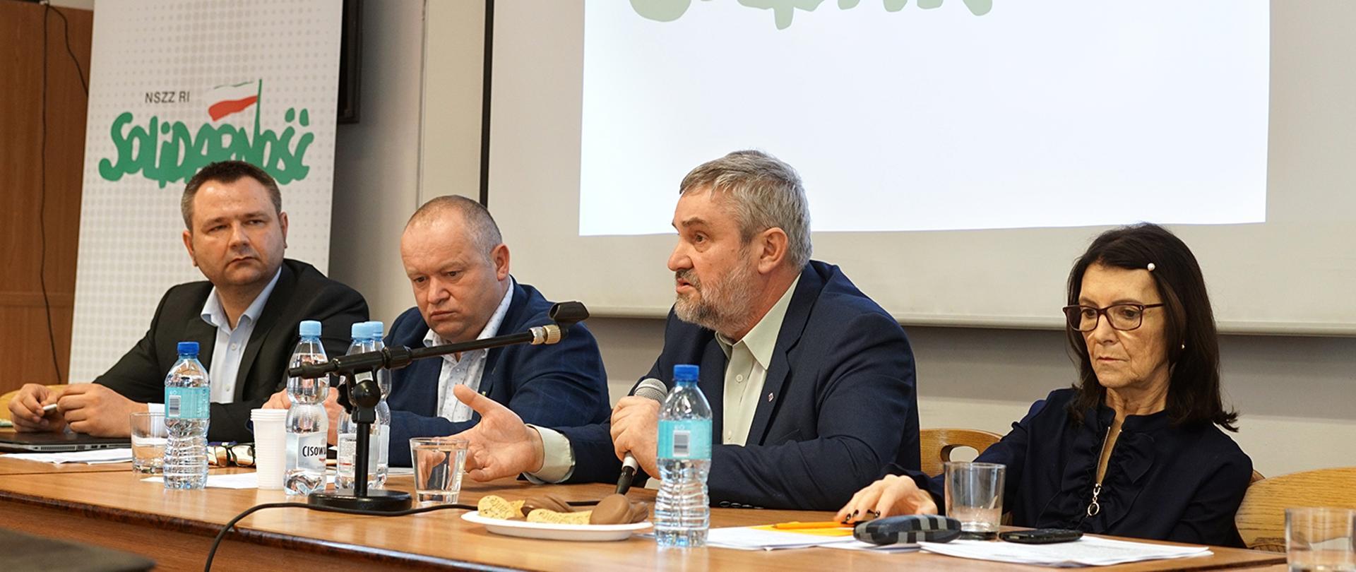 Min. J.K. Ardanowski podczas spotkania ze związkowcami