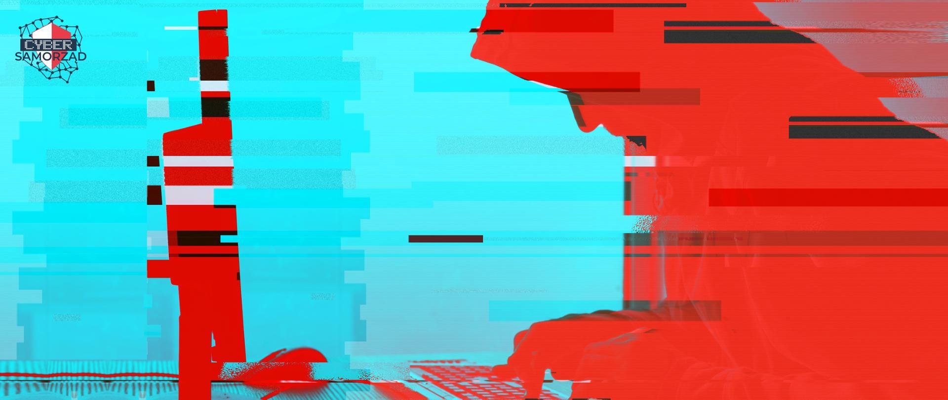 Niebiesko-czerwone zdjęcie hakera pracującego przy komputerze. W lewym górnym rogu logo CyberSamorząd.